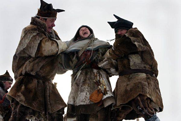 Kautokeino-opprøret er en spillefilm om foranledningen til opprøret som over 50 samer stod bak i 1852. Se filmstudieark på www.filmweb.no/skolekino.